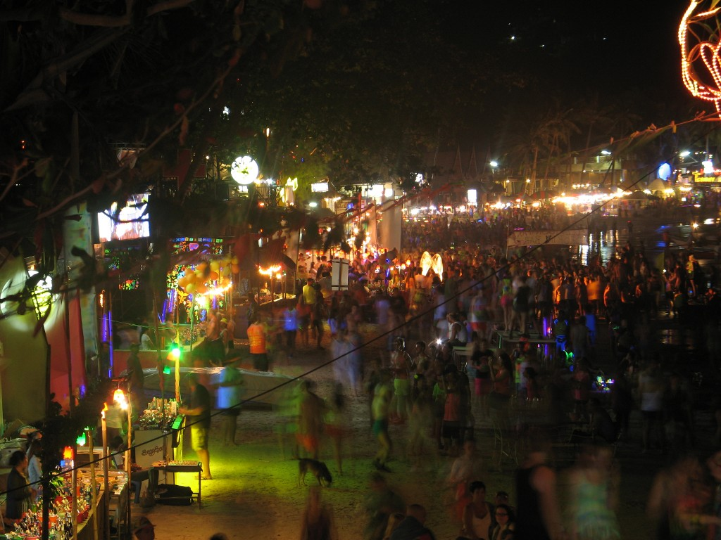 View of the Full Moon Party from The Rock